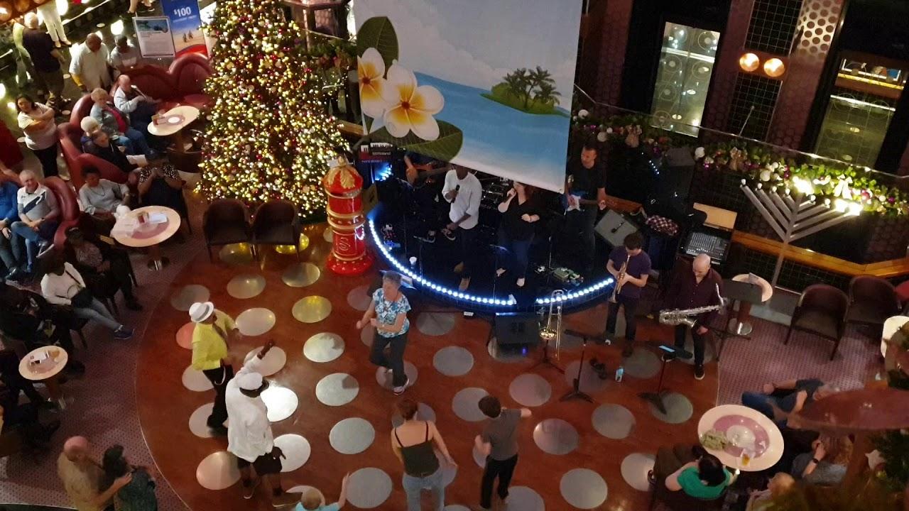 Carnival Splendor: Musica nella Lobby