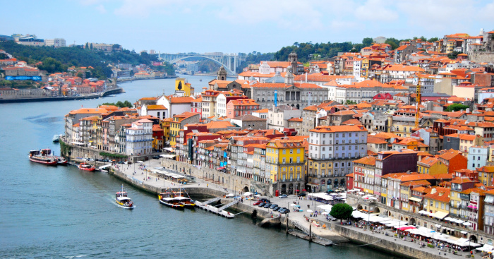 Discover Porto on a Cruise