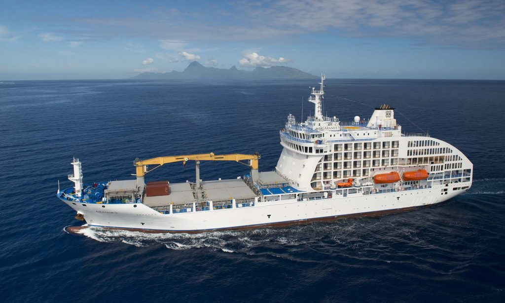 The Aranui 5 sets off again to discover the Marquesas
