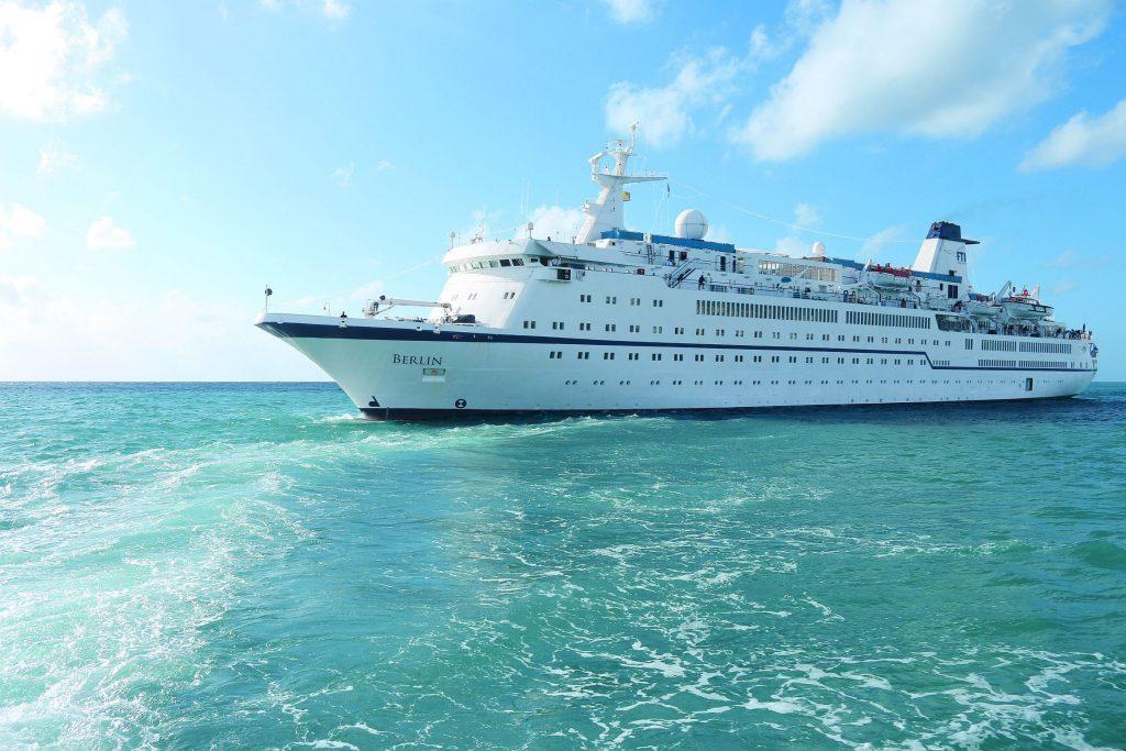 MS Berlin wird zur Megayacht umgebaut