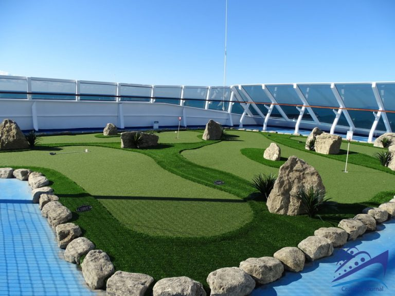 Marina Golf Putting Greens