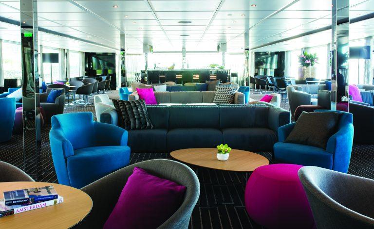 Horizon Lounge Spacious and Light filled