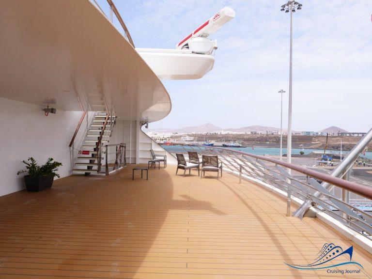 World Voyager Deck 6 Aft Terrace
