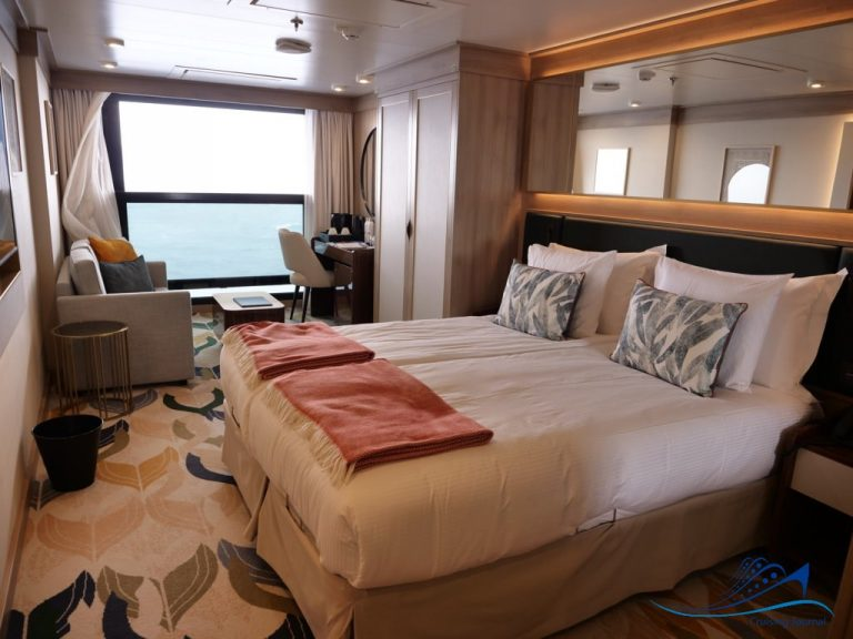 World Voyager Infinity Cabin
