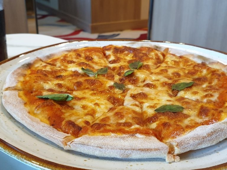World Voyager Pizza